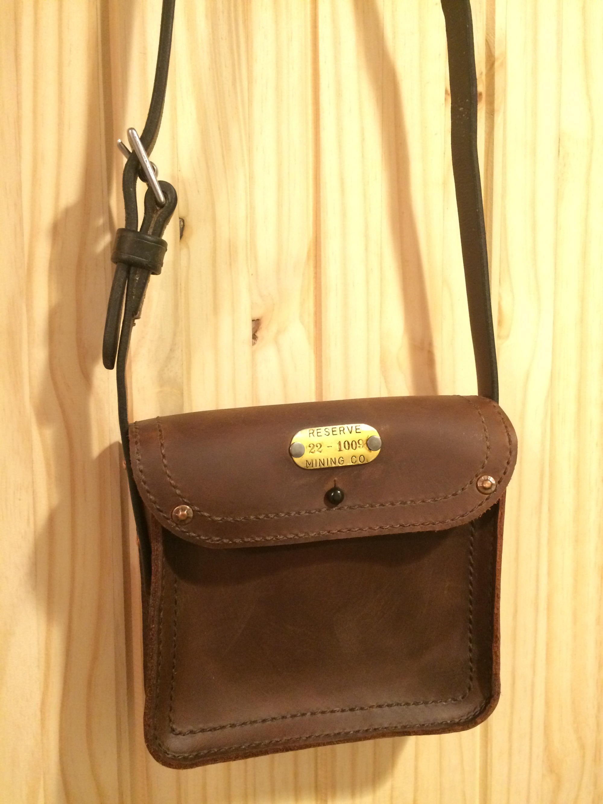 theresa_cross-body_pouch_with_stirrup